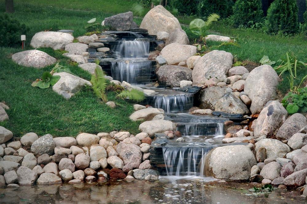 Ручей с фонтаном своими руками 50